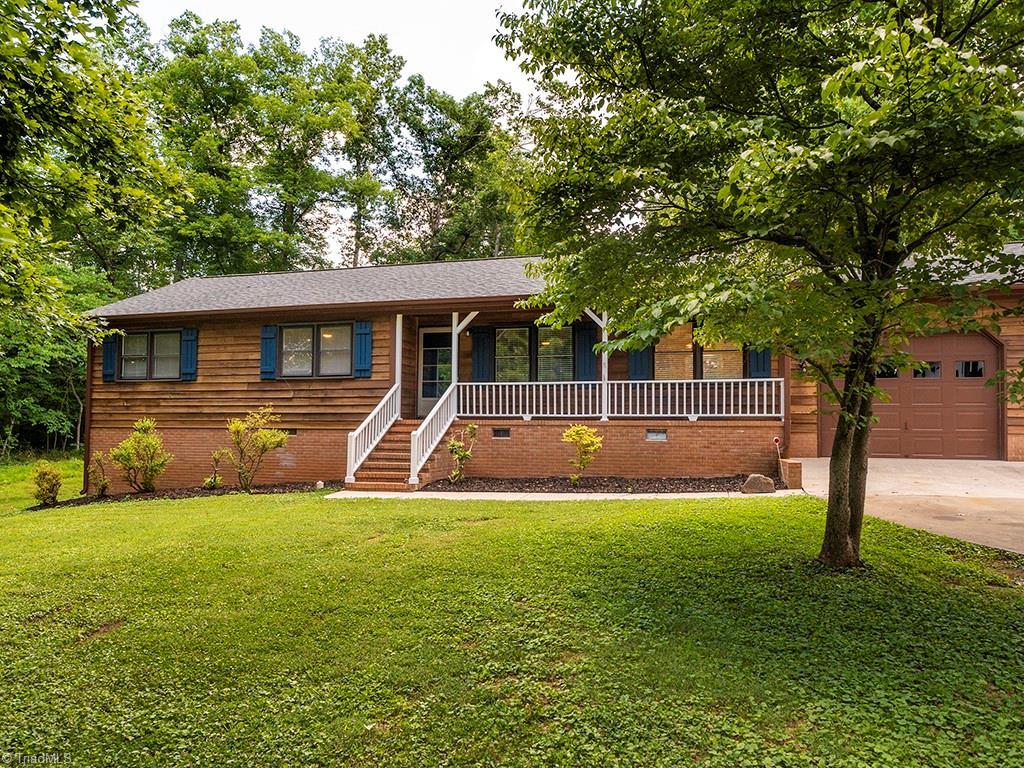 2942 Woodside Avenue Property Photo 1