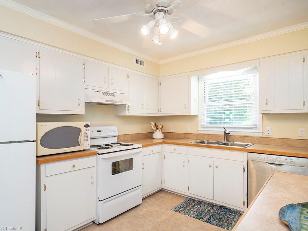 1326 Lochshire Drive Property Photo 12