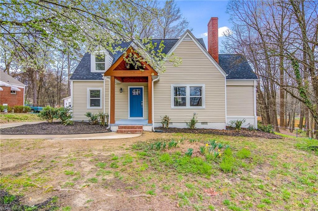 2405 Friendly Avenue Property Photo