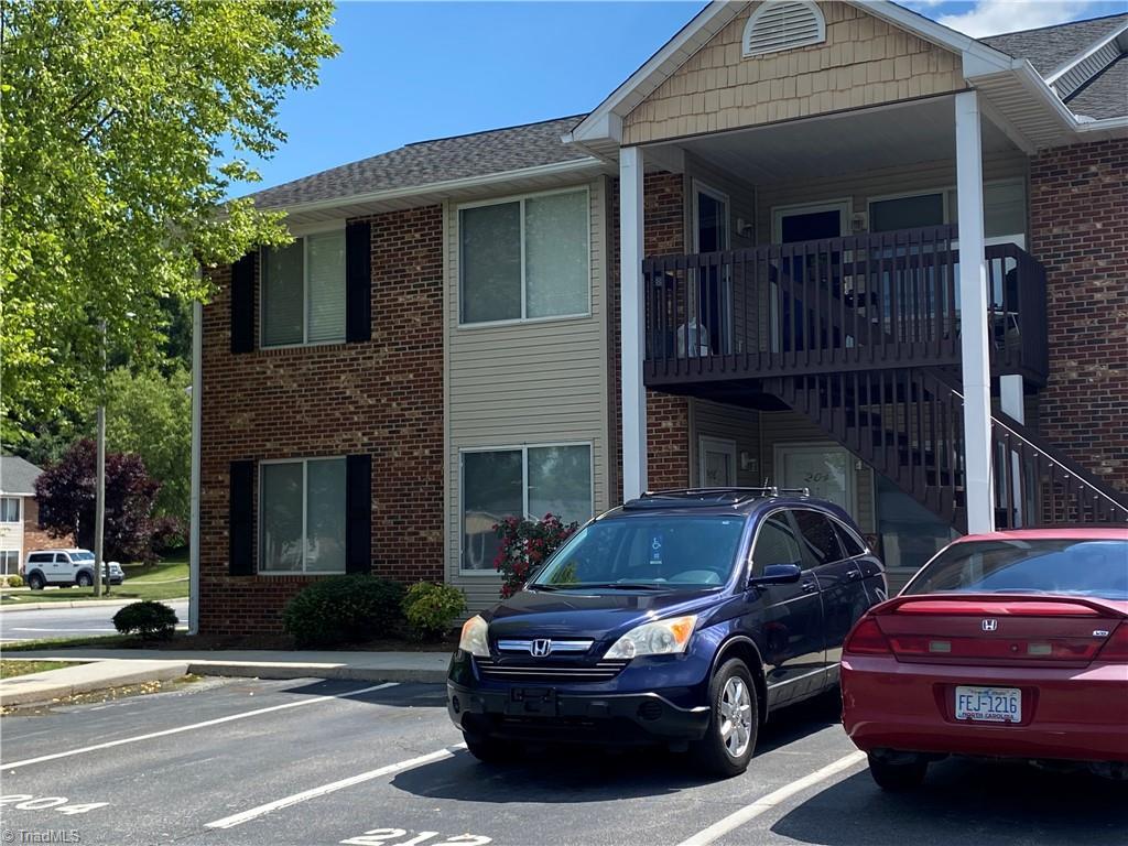 214 Westbrook Court Property Photo 1