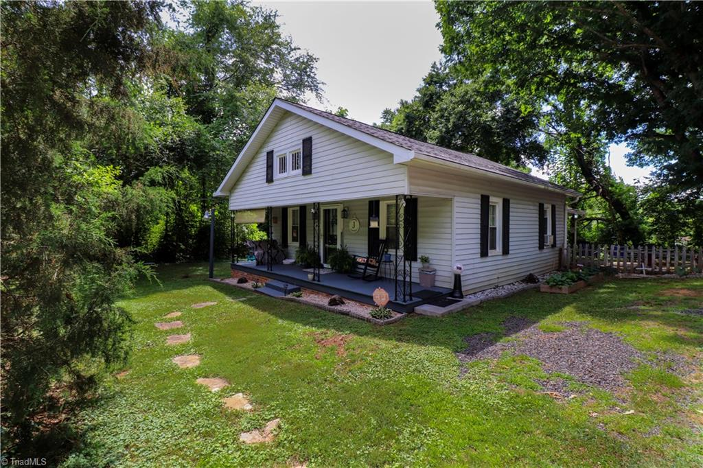 895 Fowler Road Property Photo