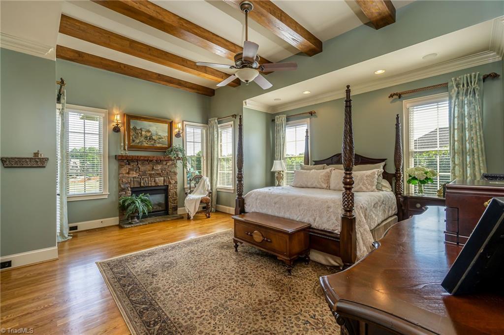 8886 Cravenwood Drive Property Photo 14