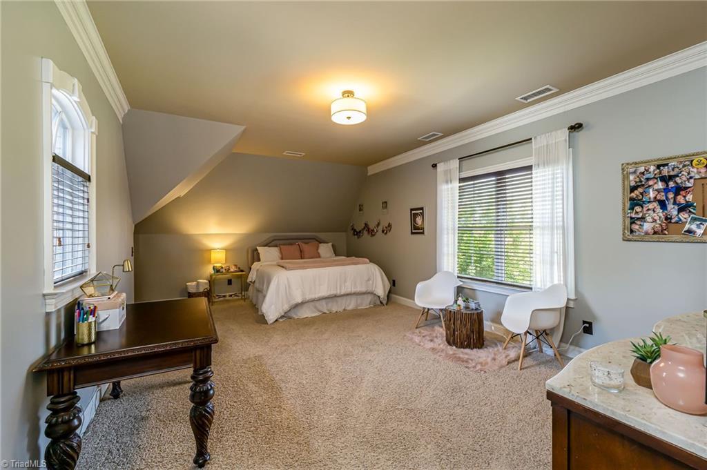 8886 Cravenwood Drive Property Photo 23
