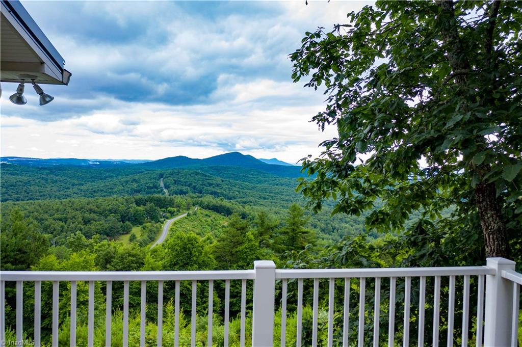 1053 Rich Hill Mountain Road Property Photo 4