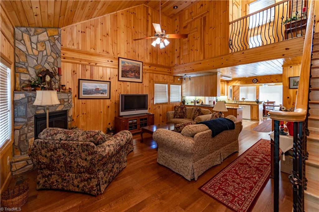 1053 Rich Hill Mountain Road Property Photo 12