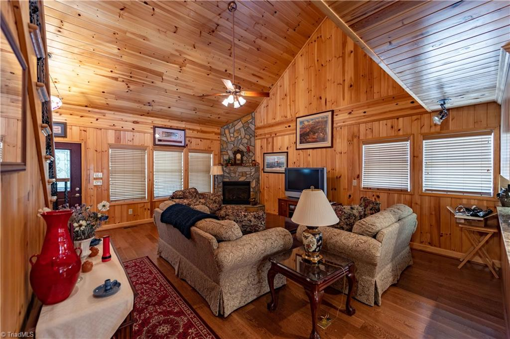 1053 Rich Hill Mountain Road Property Photo 13