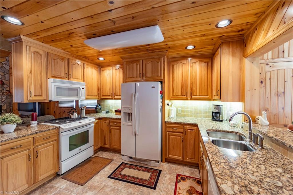 1053 Rich Hill Mountain Road Property Photo 17