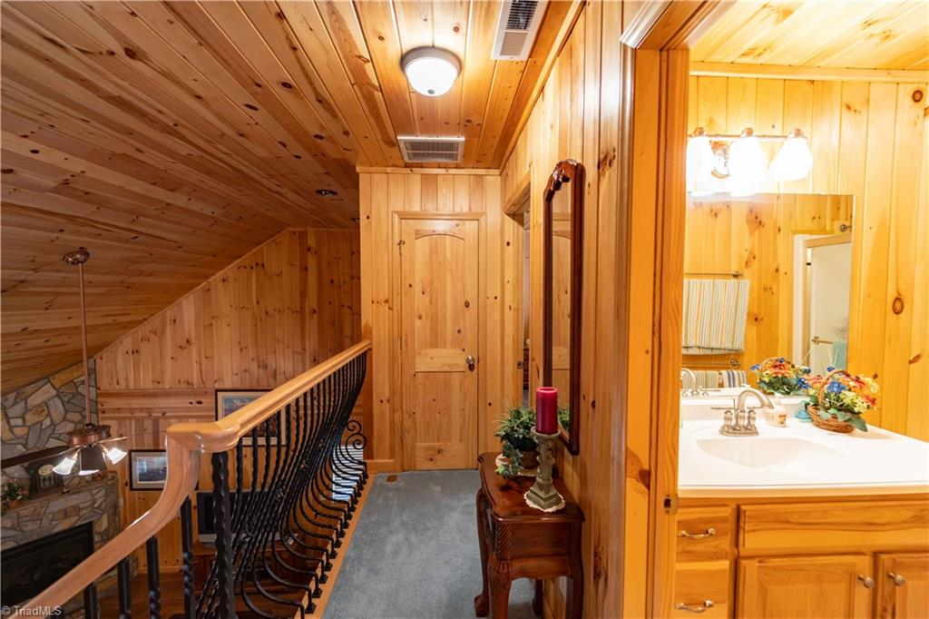 1053 Rich Hill Mountain Road Property Photo 29