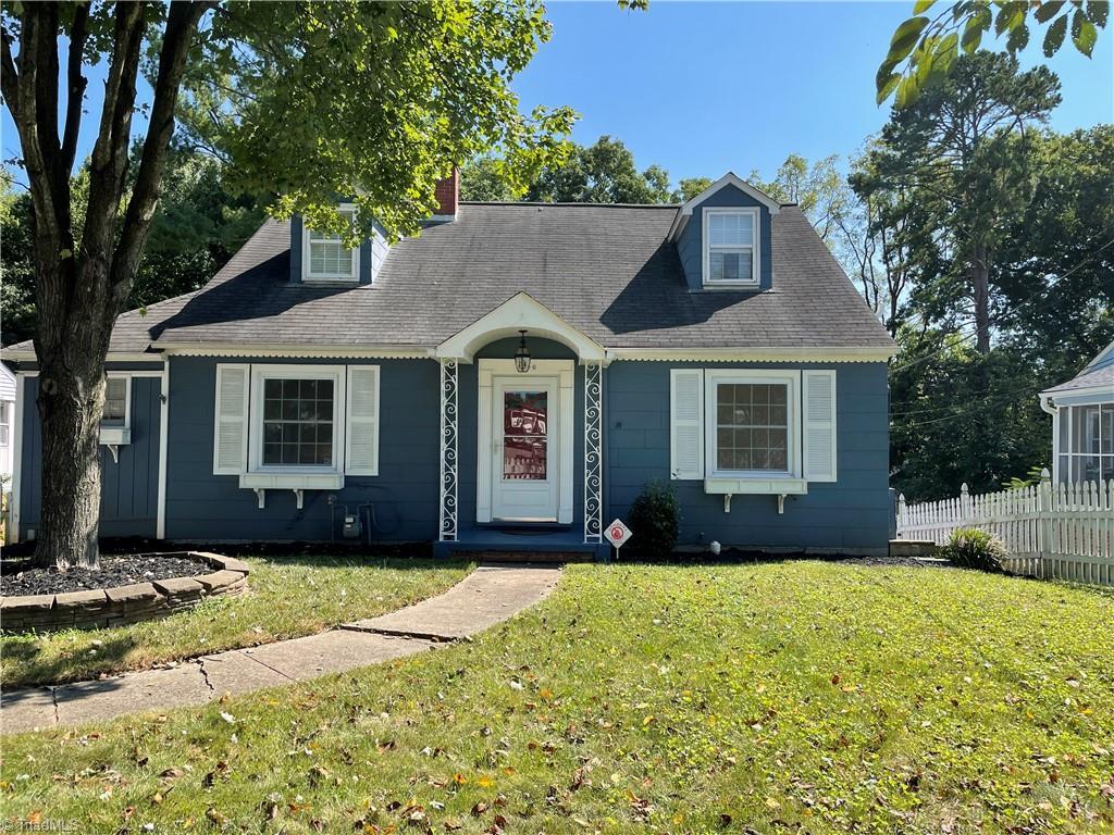 2340 Queen Street Property Photo