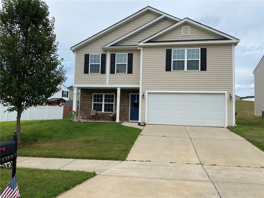 1353 Aurora Glen Drive Property Photo