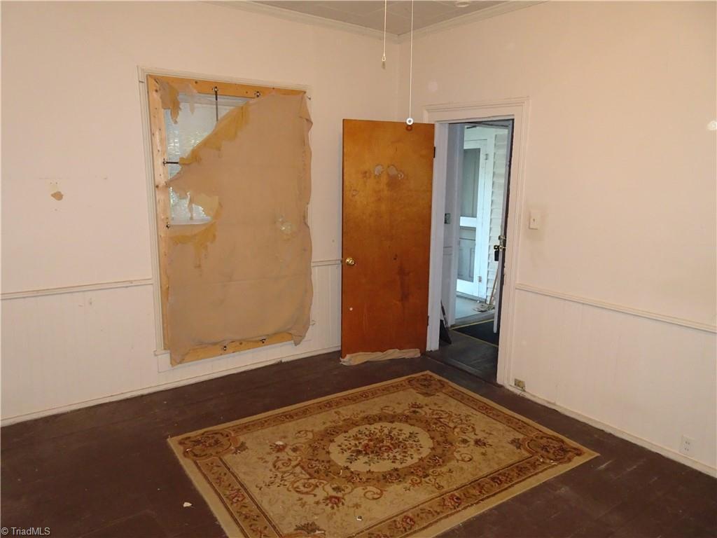 409 E Whittington Street Property Photo 3