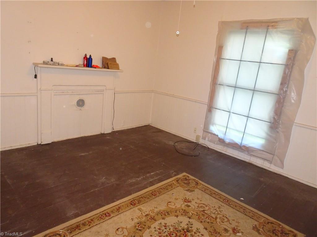 409 E Whittington Street Property Photo 4