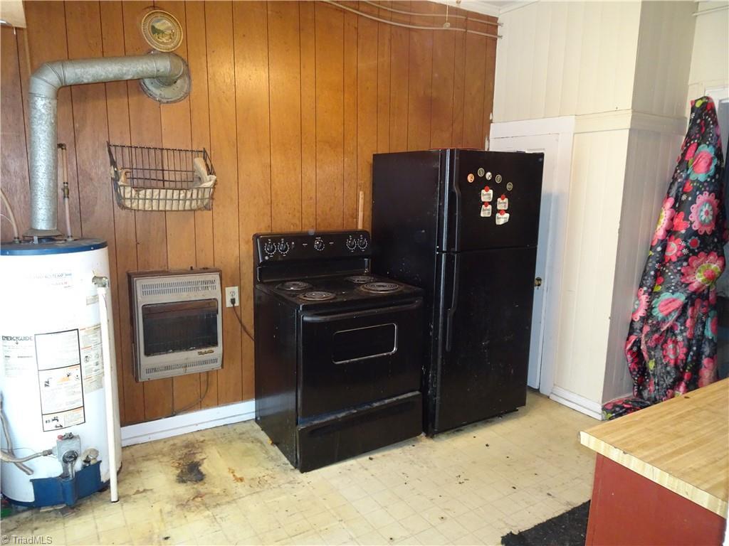 409 E Whittington Street Property Photo 6