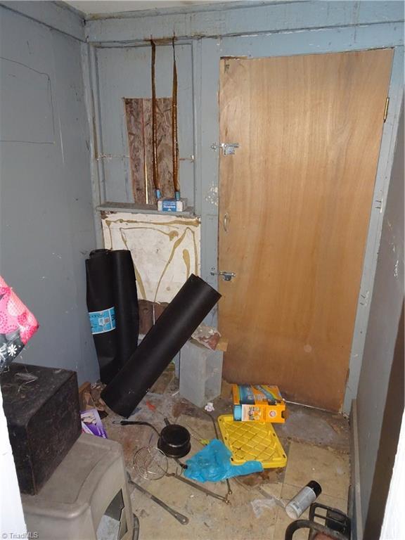 409 E Whittington Street Property Photo 9
