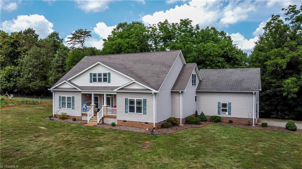 28660 Real Estate Listings Main Image