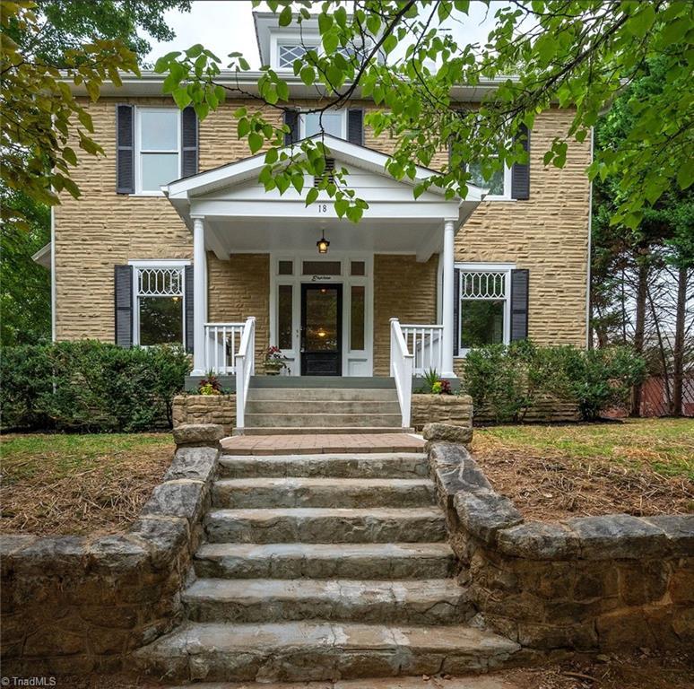 18 E Banner Avenue Property Photo