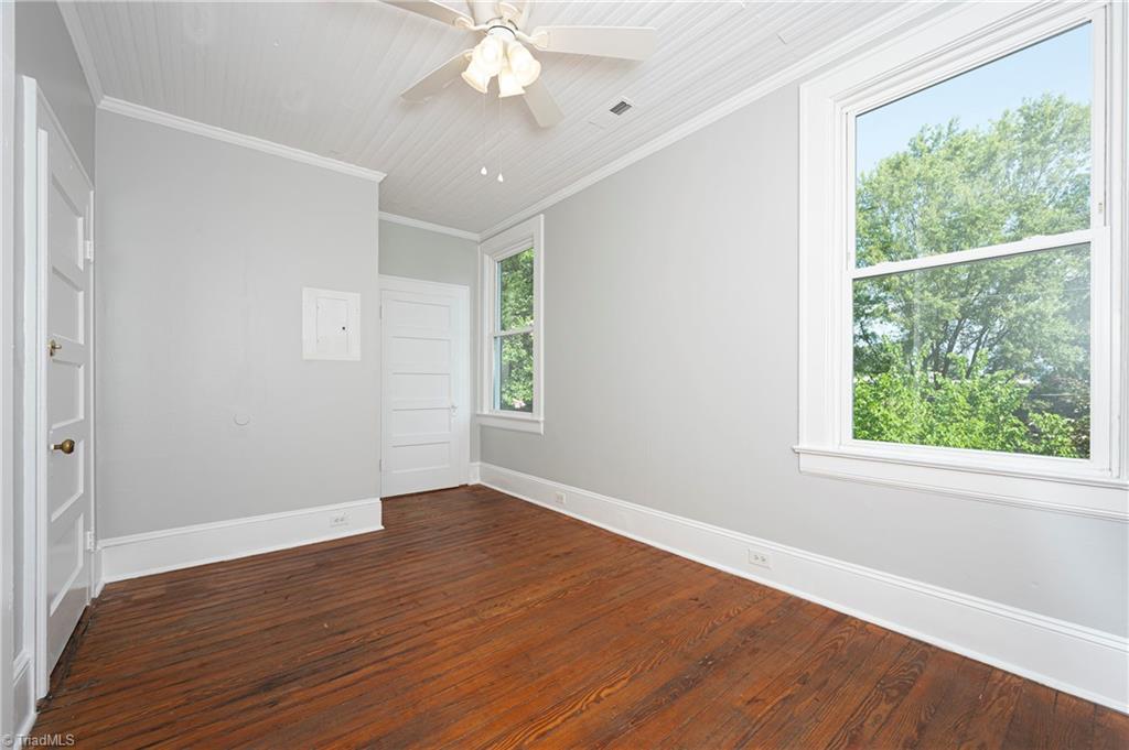 18 E Banner Avenue Property Picture 16