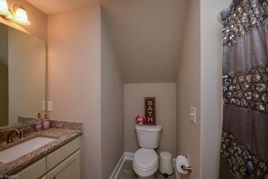 393 Wentworth Drive Property Picture 27