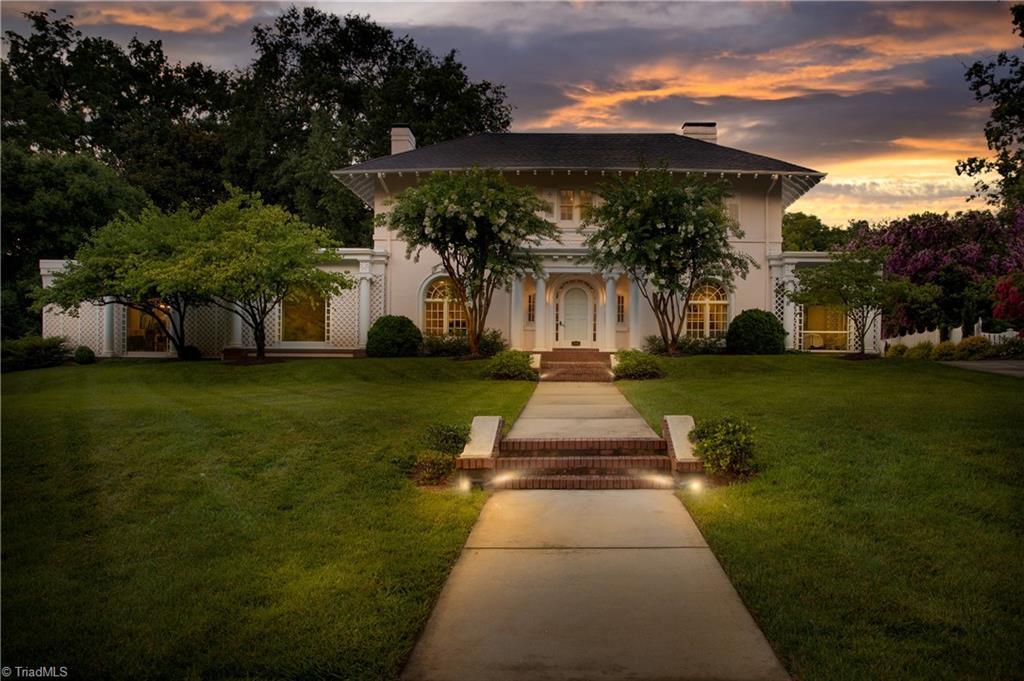 206 Sunset Drive Property Photo 1