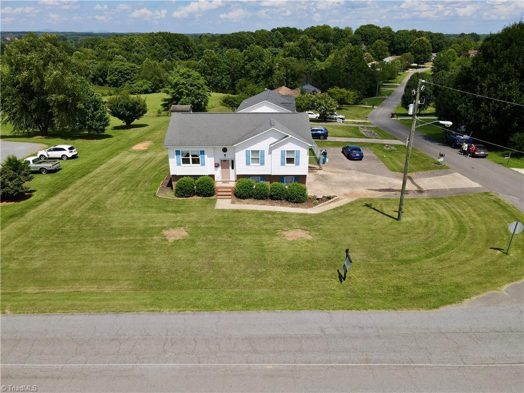 105 Cottonwood Drive Property Photo 1