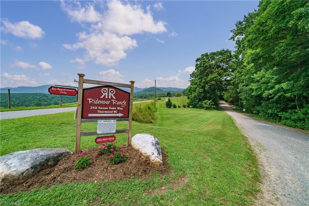258 Seven Oaks Way Property Photo