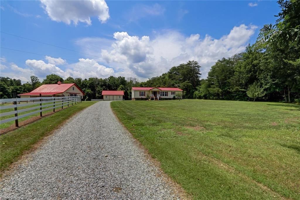 44 Fieldstone Drive Property Photo