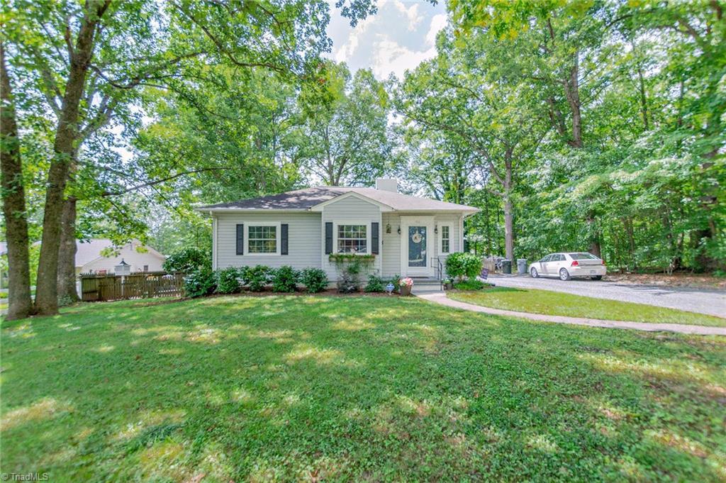 912 Shamrock Road Property Photo 1