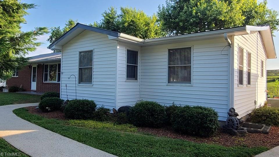 8571 W Pine Street Property Photo