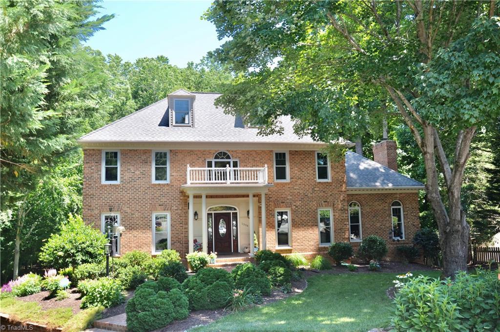 1304 Hunterswood Drive Property Photo 1