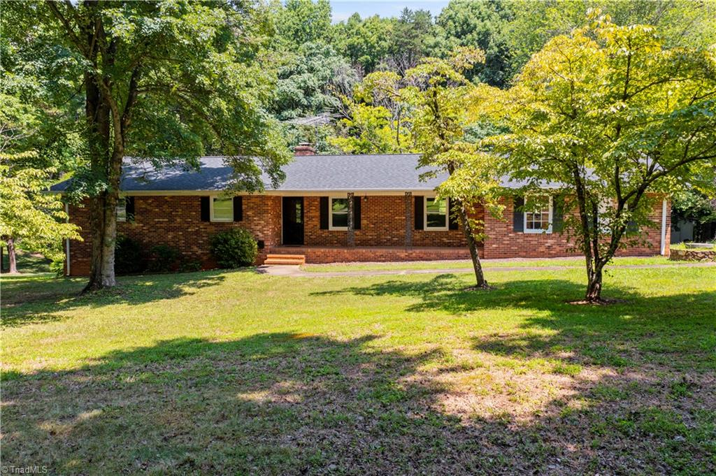 137 Roxdale Place Property Photo 1
