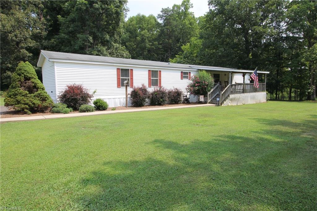 1821 Courtney Huntsville Road Property Photo 1
