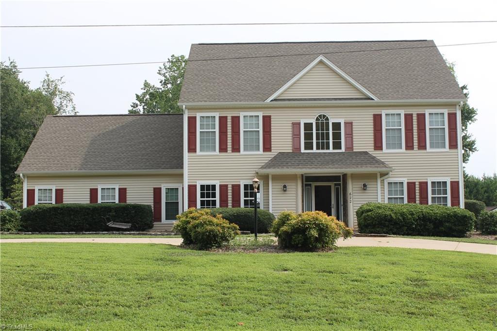 28601 Real Estate Listings Main Image