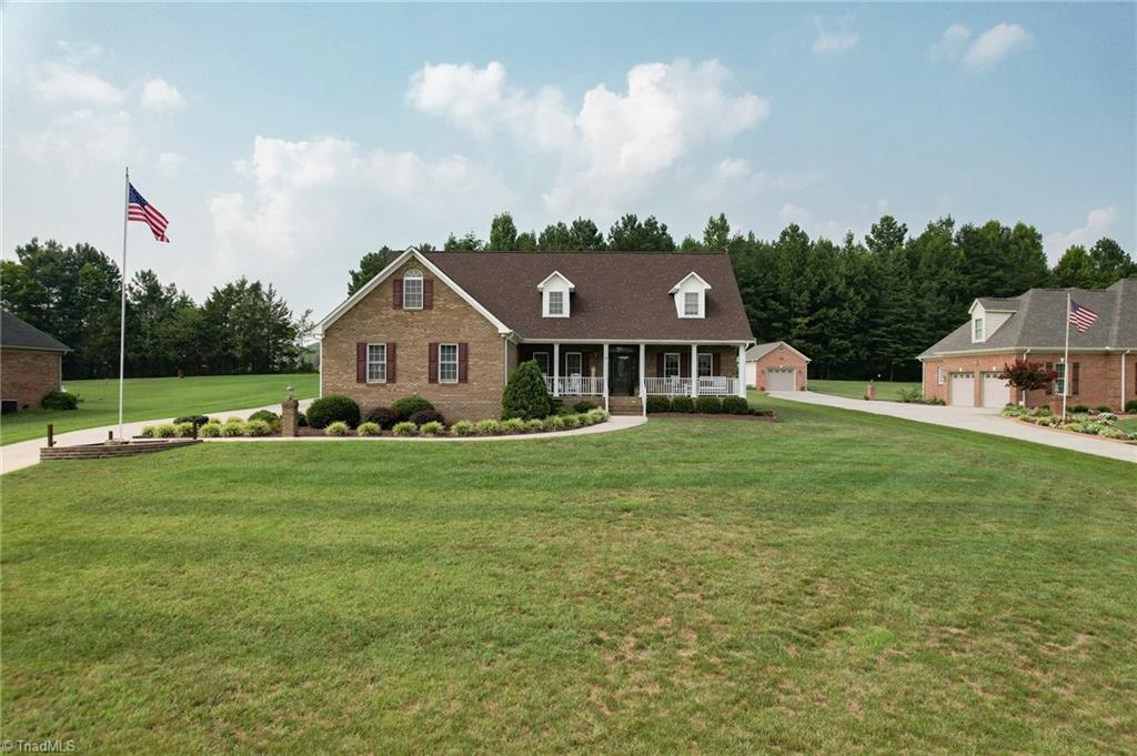 219 Bent Creek Drive Property Photo 1