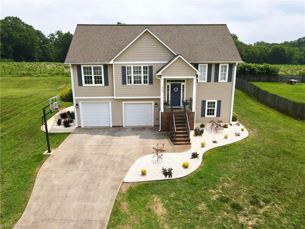229 Charleston Ridge Drive Property Photo
