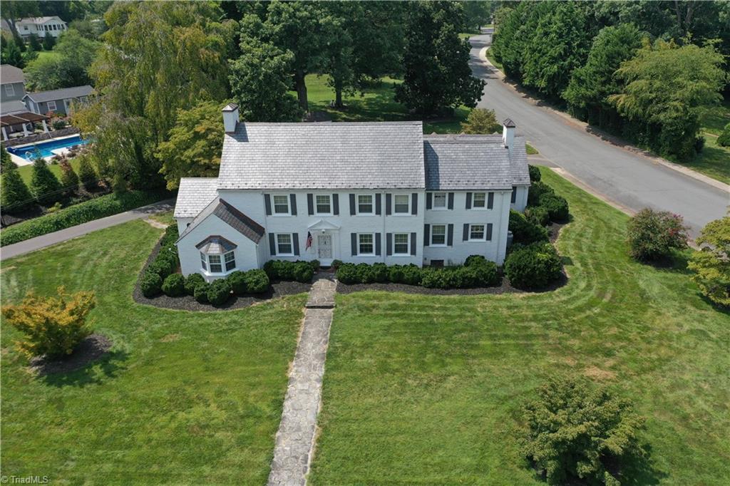 1201 Crescent Drive Property Photo 1