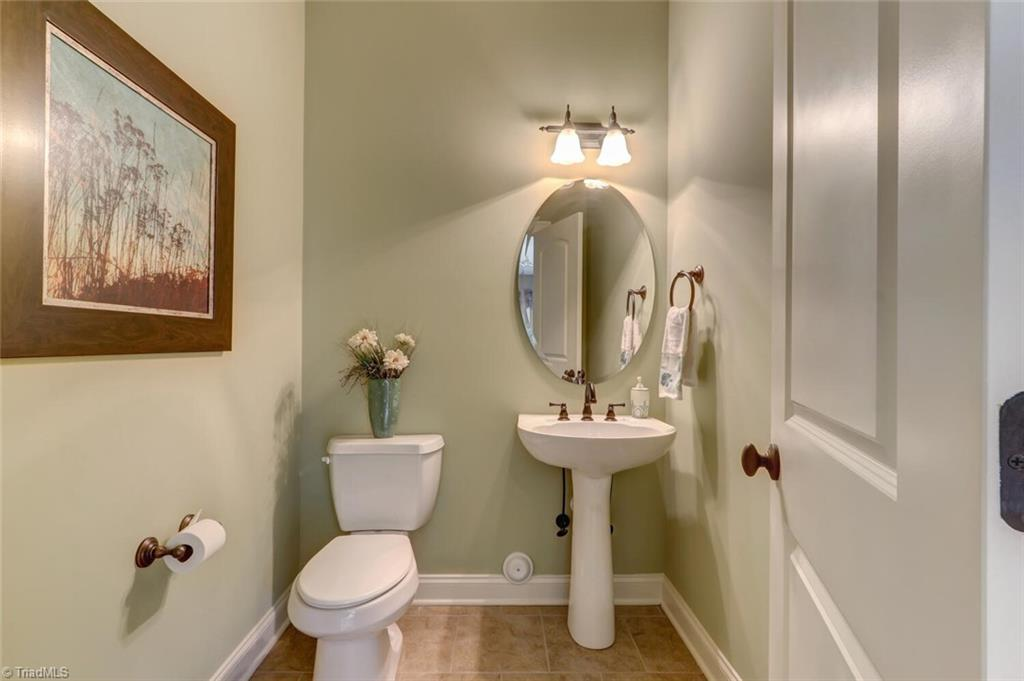 5902 Stoneleigh Place Property Photo 35