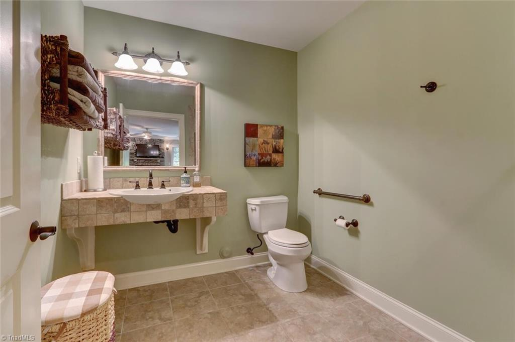 5902 Stoneleigh Place Property Photo 46