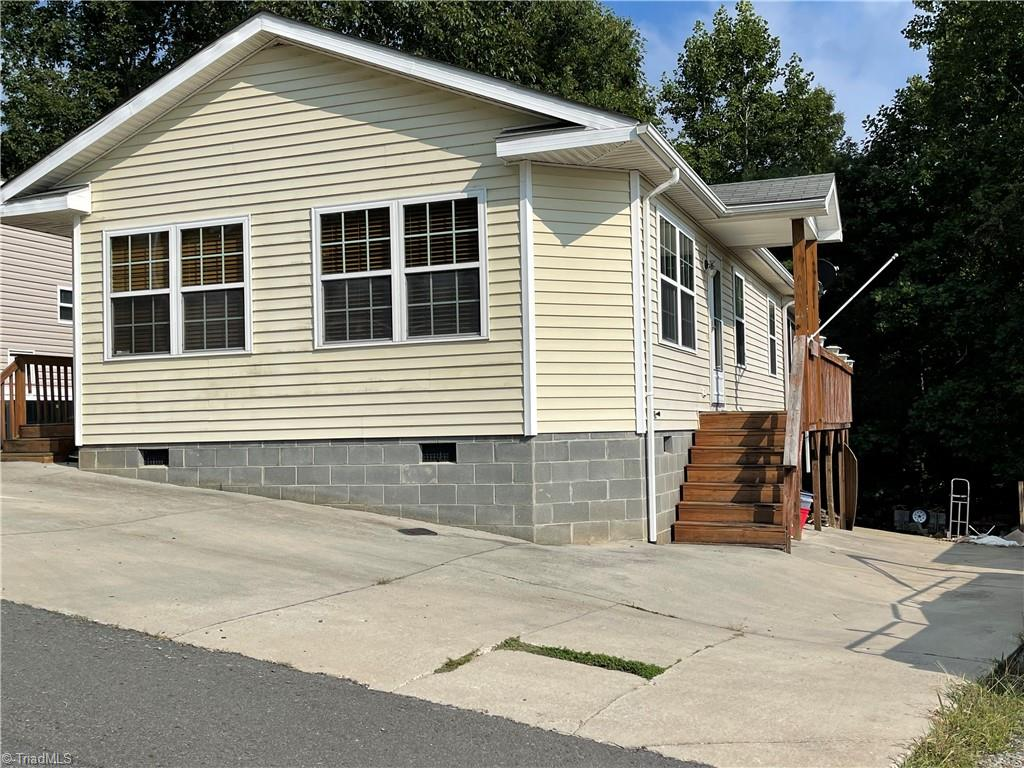 203 Cardinal Avenue Property Photo