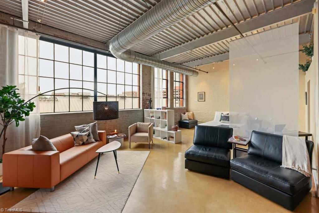 401 E 4th Street # 508 Property Photo 1