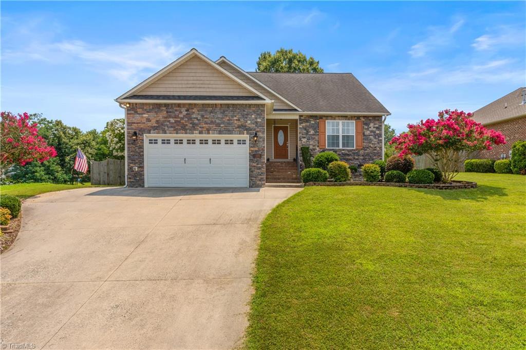 1202 Sagewood Lane Property Photo 1