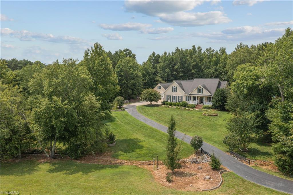 190 Echo Hill Drive Property Photo