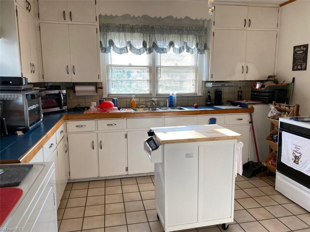 3117 Fieldale Road Property Picture 4