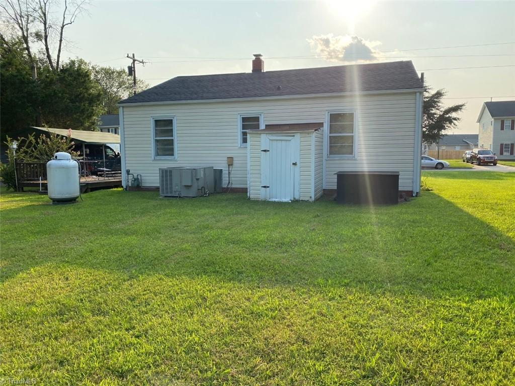3117 Fieldale Road Property Picture 5