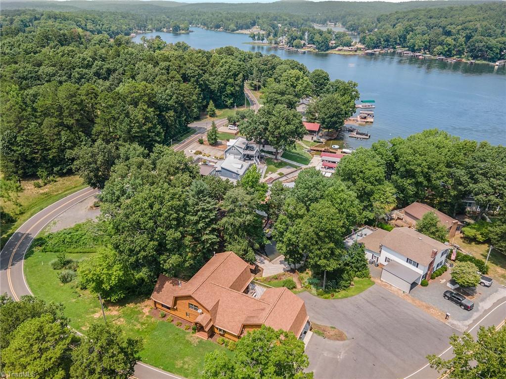 876 Pinehaven Drive Property Photo