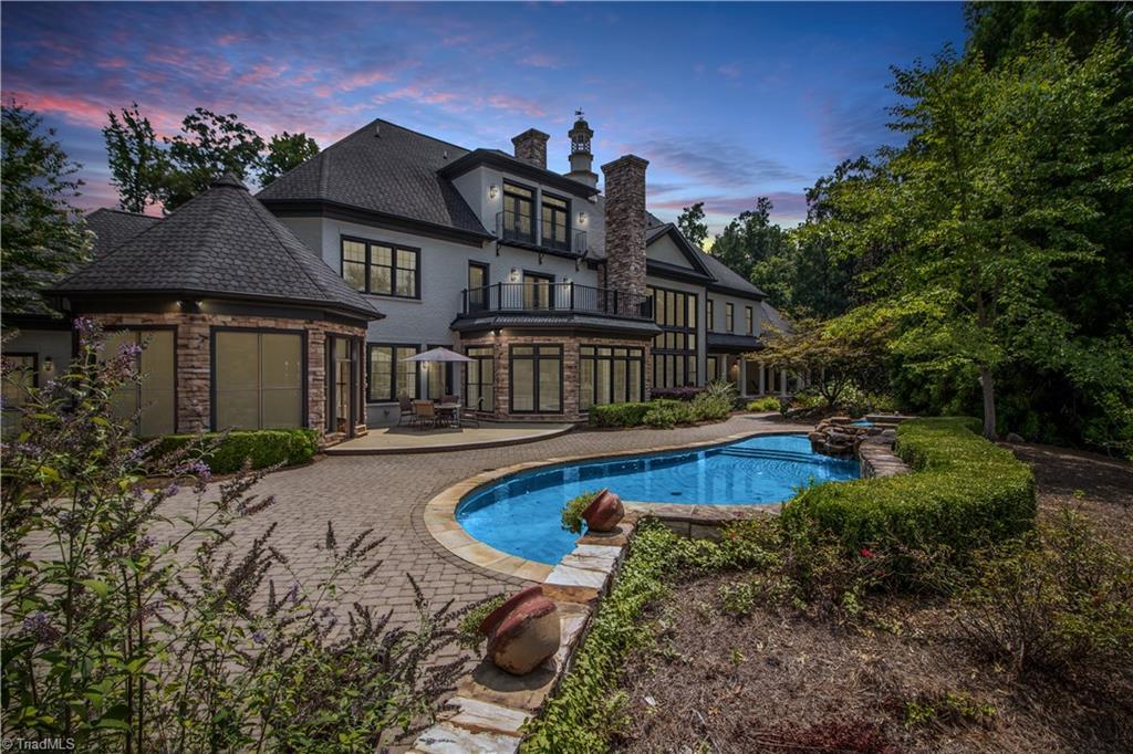 3215 Broadmoor Drive Property Photo 2