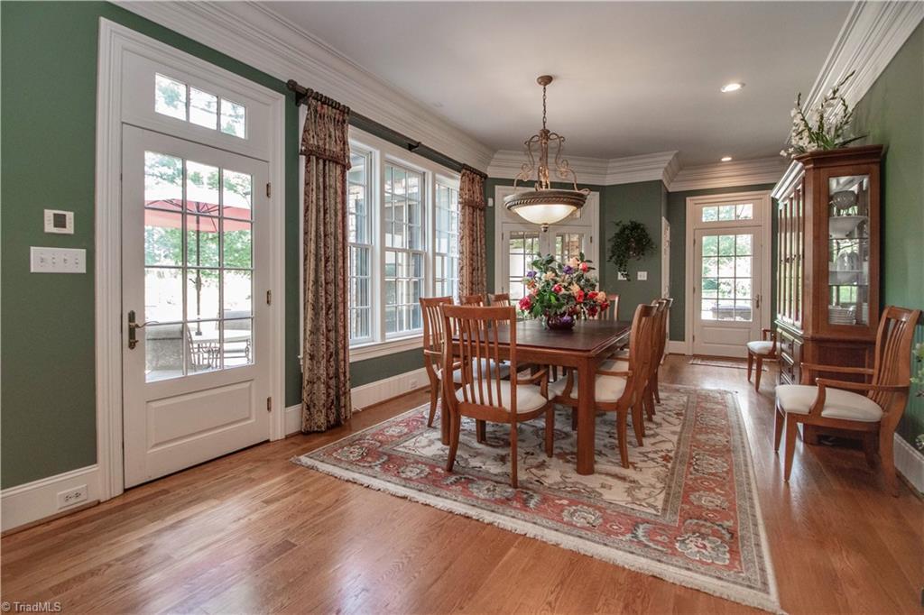 3215 Broadmoor Drive Property Photo 10