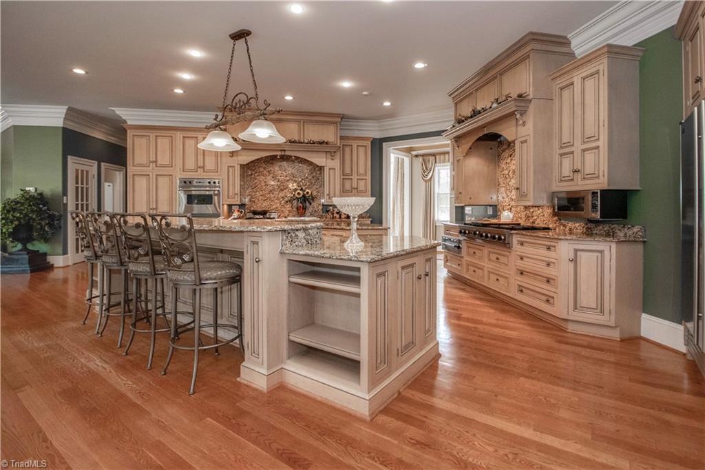 3215 Broadmoor Drive Property Photo 12