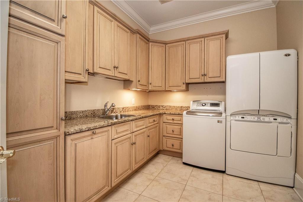 3215 Broadmoor Drive Property Photo 14