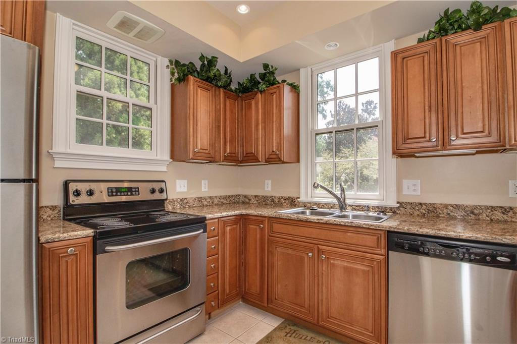 3215 Broadmoor Drive Property Photo 43