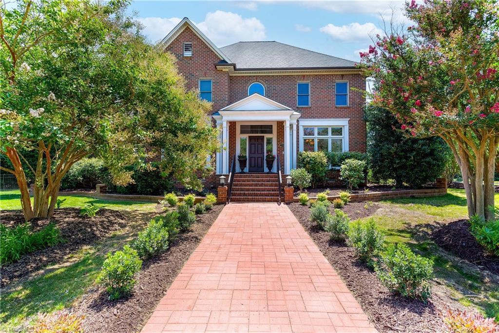 552 Meadowood Drive Property Photo 1